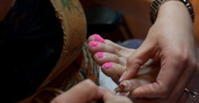 Jamey applying pink glitte - not buffed or coated yet!