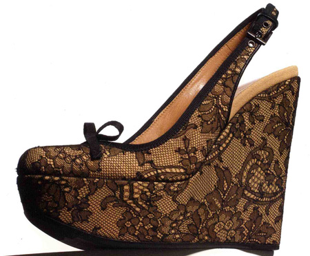 Alaia's lace wedges for fall 06