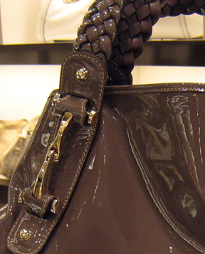 Hardware detail on the Gucci Fulham in mauve for spring 08