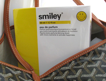 Smiley the first antidepressant perfum